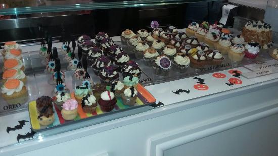 Cake Design Cupcake And Bakery Bari : Halloween cupcake - Picture of Cake Design Cupcakes ...