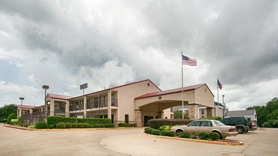 Photo of BEST WESTERN Lindale Inn