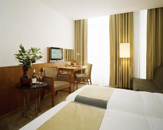 K+K Hotel George: Classic Triple Room