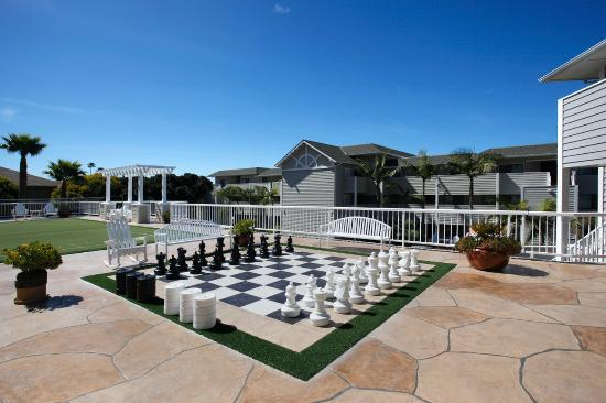 Pismo Lighthouse Suites: Family Play Deck