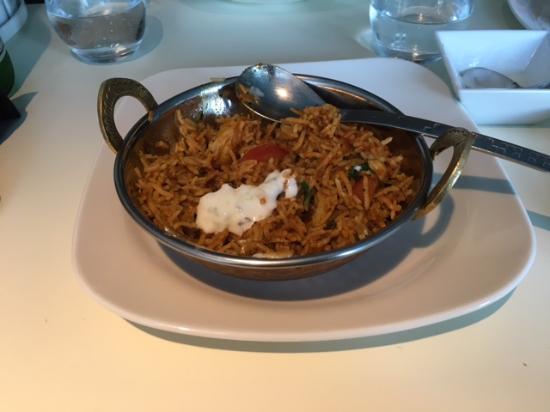 Sarcelles, فرنسا: Plat Mixed Biryani Sauce Avec Sauce Raita