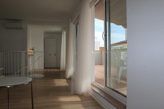 Apartamentos Pepita Bandert: Salida terraza Duplex