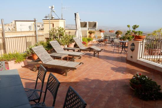 Sitting corner - Foto di B&B Terrazze di Montelusa, Agrigento ...