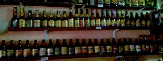 Bar Allioli: Wide selection of beers.