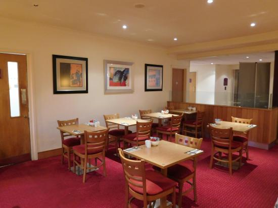 Premier Inn Reading (Caversham Bridge) Hotel: Breakfast area