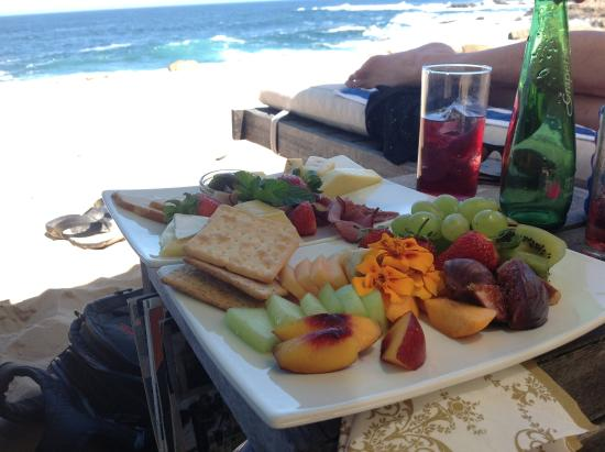 Plettenberg Park Hotel & Spa: Picnic served to us on the beach