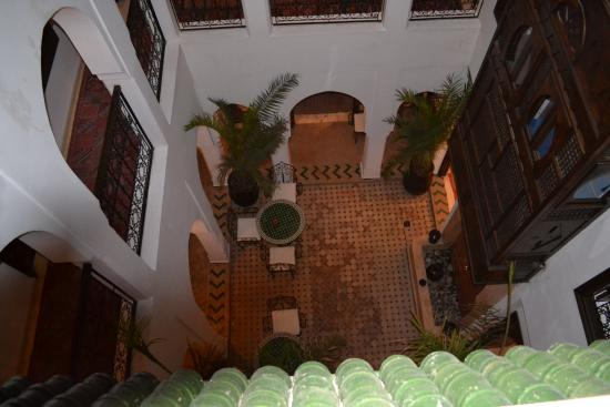 Riad Nerja: view into the inner courtyard