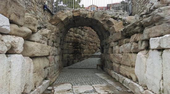 Plovdiv Roman Theatre: Plovdiv, Ancient Amphitheater