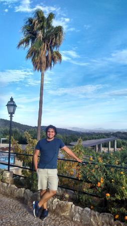 Campanet, Spanje: Magníficas vistas delante del hotel y sus alrededores