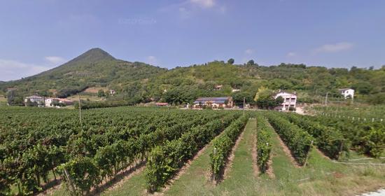 Lozzo Atestino, Italia: dalla strada