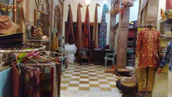 Anvi Textile & Handicraft