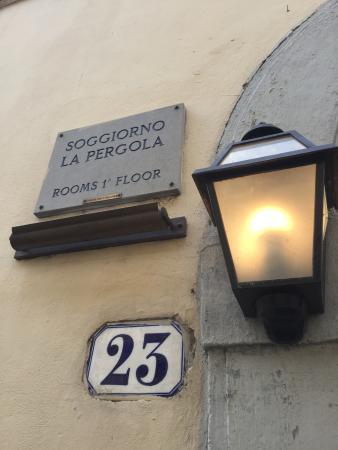 entrata - Picture of Soggiorno la Pergola, Florence - TripAdvisor