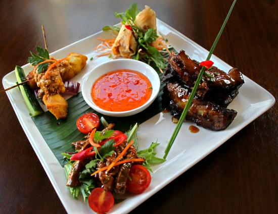 Yindees Downtown: Platter for Two