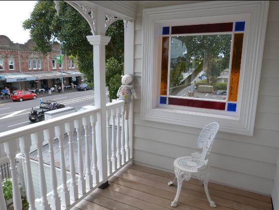 Red Monkey Ponsonby Manor: Balkon vor unserem Zimmer