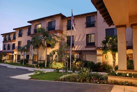Hampton Inn & Suites Camarillo: Entrance