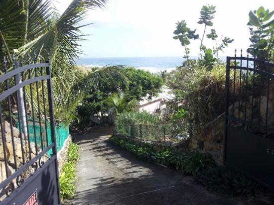 Morning Glory Villa: PORTAIL ELECTRIQUE POUR PROPRIETE SECURISEE