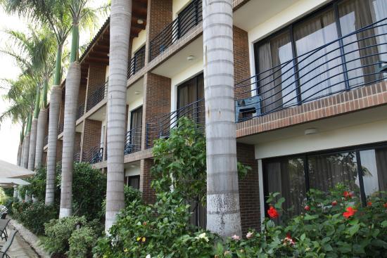 Hotel Eco Inn: Terrazas