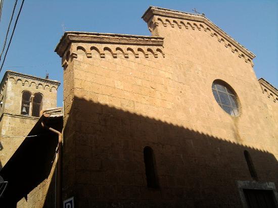 Chiesa di San Gregorio: La facciata