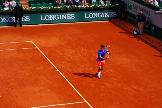 Stade Roland Garros: Federer in action