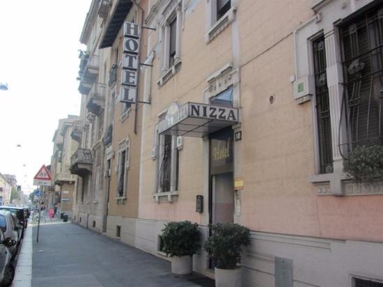 Hotel Nizza : Вид снаружи