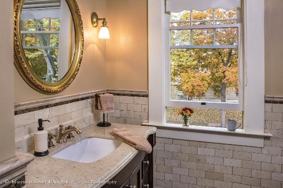 Green Gables Inn: Willowmere bathroom