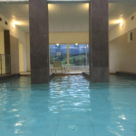 Les bains de baracci photo de bains de baracci olmeto for S bains media production
