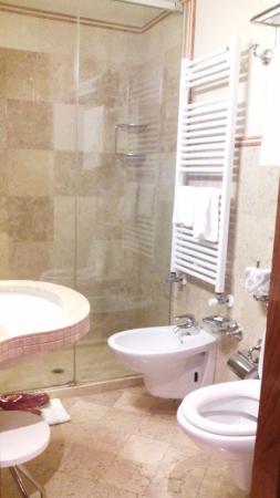 La Palazzina Veneziana: bagno della camera Rialto