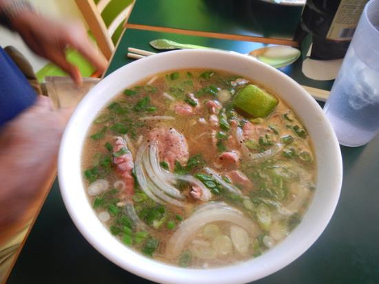 Thuy's Noodle Shop: Beef Pho