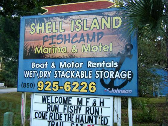 Shell Island Fish Camp: entrance sign off main road