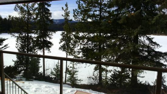 Idabel Lake, Canada: Peaceful winter retreat