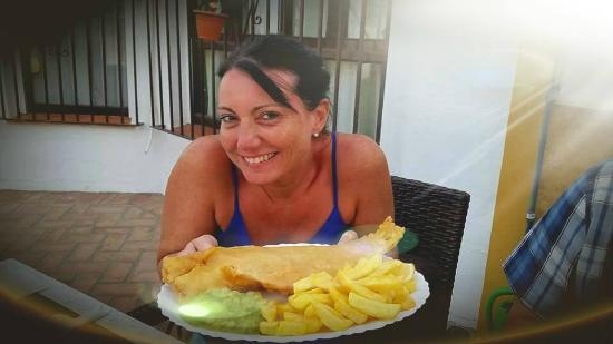 Bull Bar Benalmadena: Fish and Chips / Pescado y papas fritas