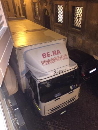 Hotel delle Nazioni: The 5.30am laundry truck outside my bedroom window