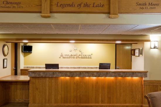 Wetmore, MI: Americ Inn Munising Front Desk