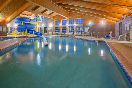 Wetmore, MI: Americ Inn Munising Pool