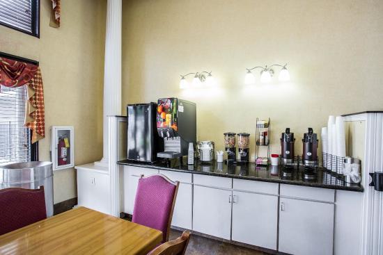 Rodeway Inn: TNBKFAST