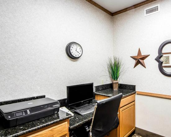 Comfort Inn & Suites Ponca City: Business