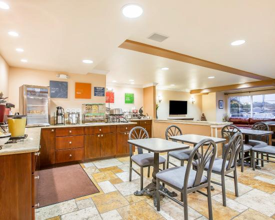 Comfort Inn & Suites Salinas: Breakfast