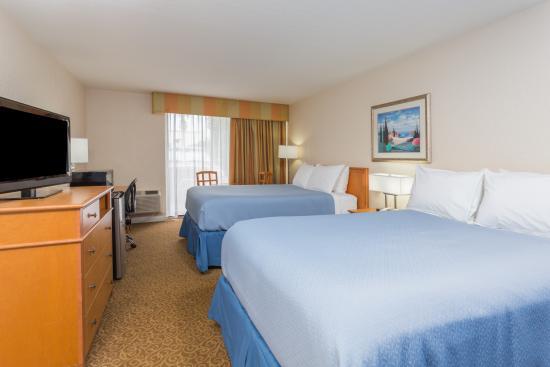 Days Inn Neptune Jacksonville Beach Mayport Mayo Clinic NE: Doubles Guestroom