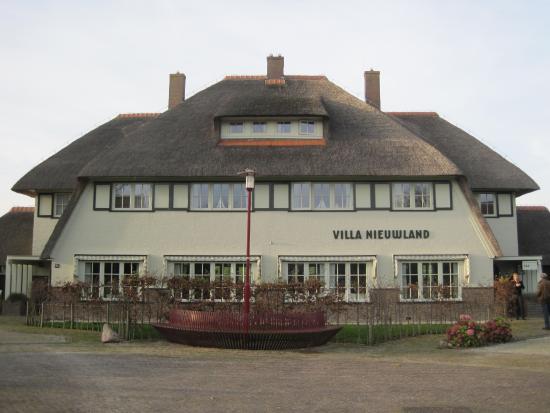 Villa Nieuwland: de villa