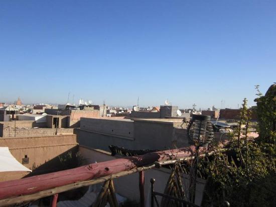 Riad Nomades: vue de la terrasse  supérieure