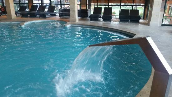 Superbe piscine photo de grand h tel spa de g rardmer for Hotel avec piscine vosges