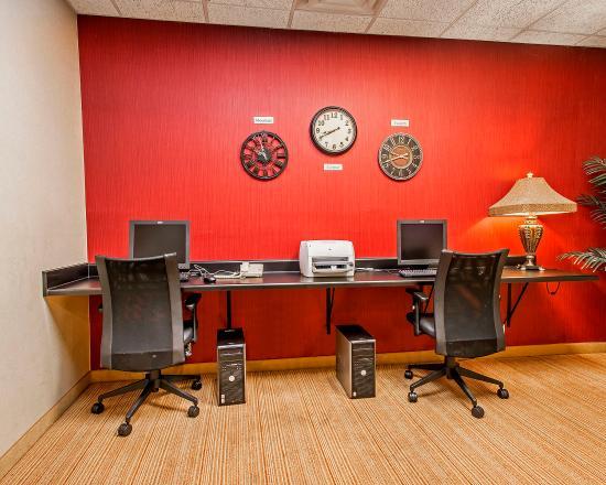 Clarion Inn & Suites: Business