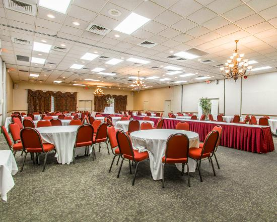 Clarion Inn & Suites: Meeting