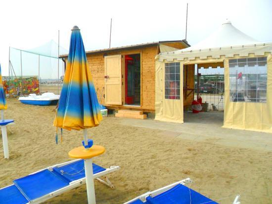 Montenero di Bisaccia, Italien: Bar sulla spiaggia