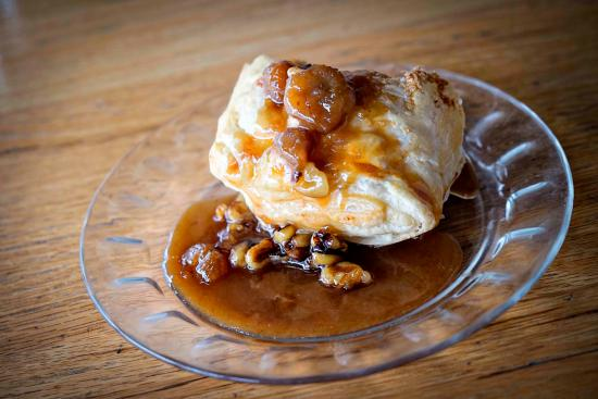 Paola, KS: Banana Foster Struddle