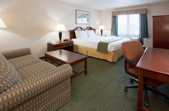 Brown Deer, Ουισκόνσιν: King Bed Guest Room