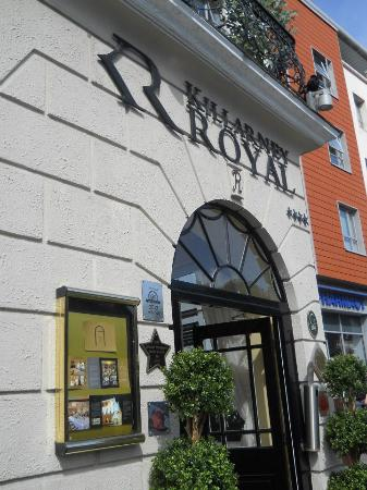 Killarney Royal: Front of hotel