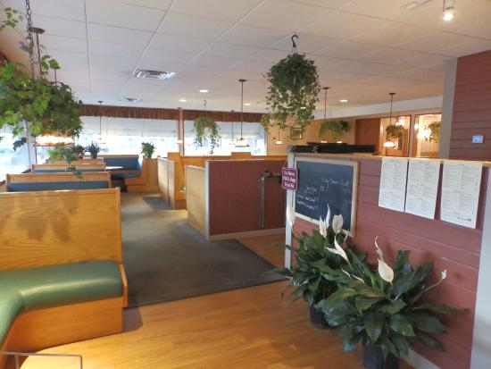 Morrisville, VT: Main Dining Room Entrance Way
