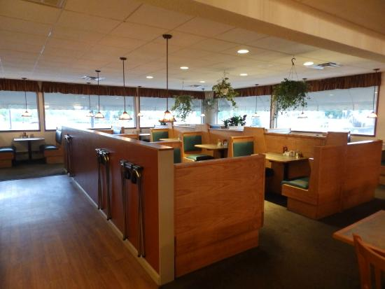 Morrisville, VT: Main Dining Room Seating