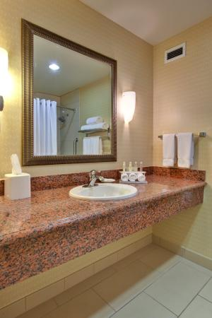 guest bathroom picture of holiday inn express hotel suites beaumont oak valley beaumont. Black Bedroom Furniture Sets. Home Design Ideas